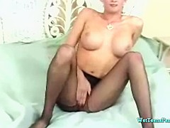 Tory Lane loves to play with her pussy