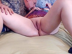 Wife getting her pussy rubbed and squirting