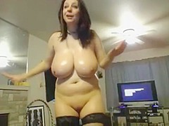 Girl wit huge tits 4