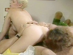 Best pornstars Barbara Dare and Lois Ayres in crazy threesomes, vintage adult scene