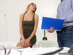 Teens Analyzed - She has a thing for her boss