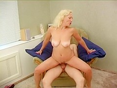 Horny Amateur video with Grannies, Big Tits scenes