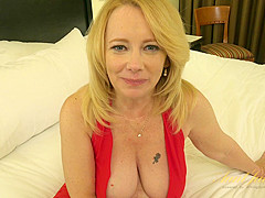 DIANA: Busty nude lesbian gifs