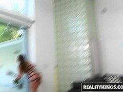 RealityKings - Milf Hunter - Brooklyn Chase Levi Cash - Strapped Up