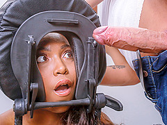 Daya Knight & Justin Hunt in Under The Table - DigitalPlayground