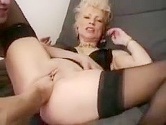 Belle salope mature anal