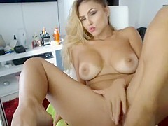 Sensualbarbies secret clip on 08/17/15 11:38 from Chaturbate