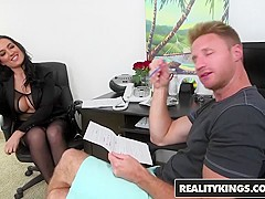 RealityKings - Milf Hunter - Isabella Madison Levi Cash - Lusty Lingerie