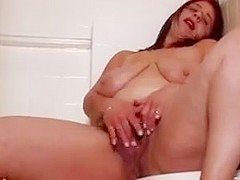 Hairy naked bbw takes a piss in the shower