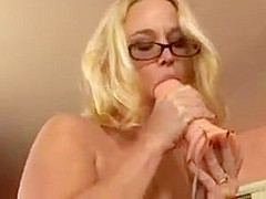 Mature nails herself on the dildo