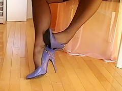 Purple shoes   stockings