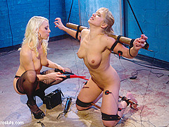 Lea Lexis & Lorelei Lee in Inescapable Copper Breaks Lea Lexis - Electrosluts
