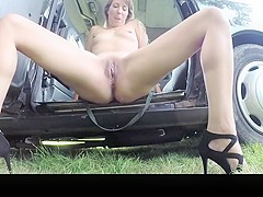 Hd lady in short dress gets a taxi creampie