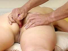 I fingered my chubby wife and watched her masturbate