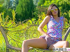 Babes Unleashed - Coco de Mal Henessy - Poon Watching