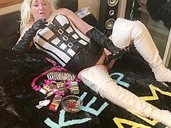 Mistress erotica getting done