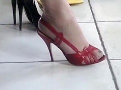 Part 1 : The Nyloned Feet Of Madam'S Stocki...