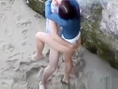Girlfriend with a perfect butt drilled in the sandy alcove