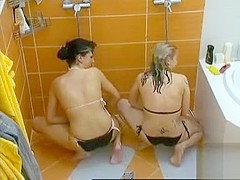Bikini girls masturbate in the shower in reality show vid