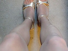 Gold toes in rt pantyhose and high heels