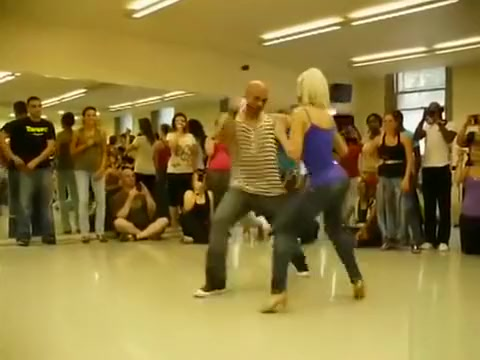 Modern dance demonstration for the class