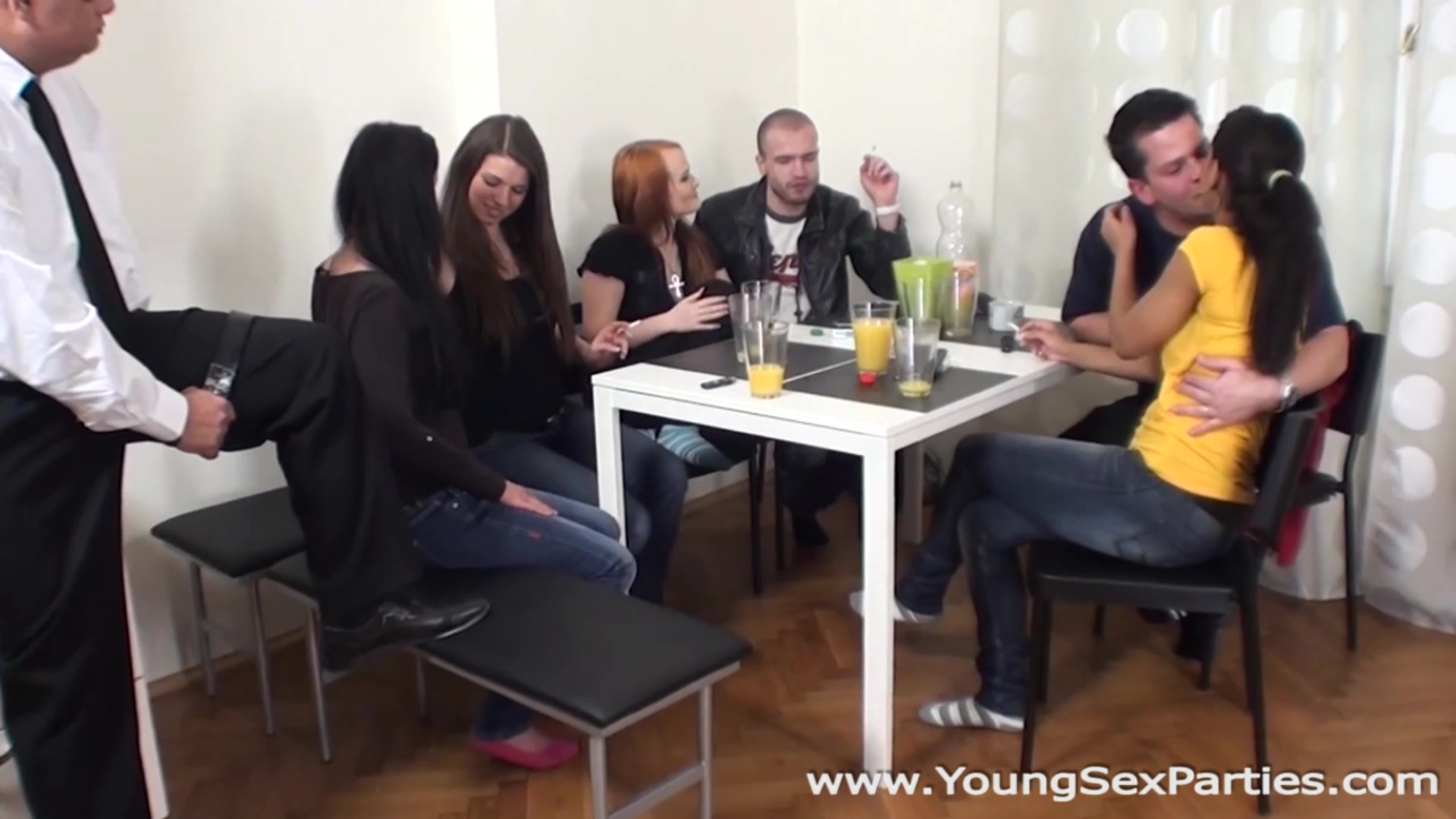 Young Sex Parties - Isabella Chrystin - Chelsy Sun - Sex party with older spectator