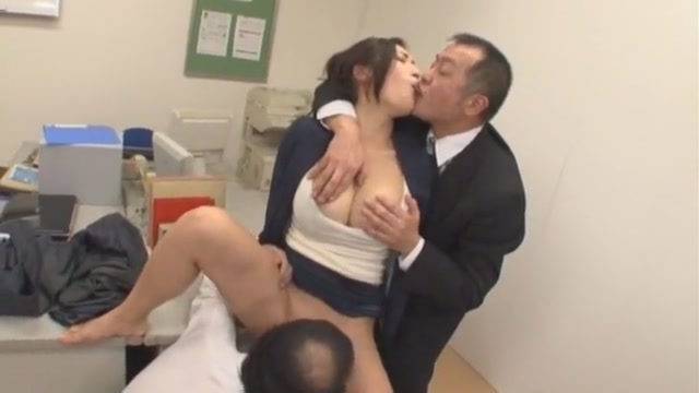 Exotic Japanese chick Reiko Kobayakawa in Fabulous Cunnilingus, Secretary JAV clip