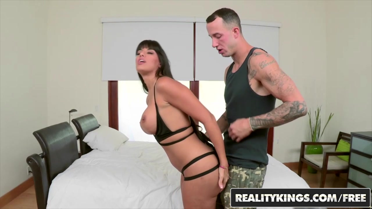 RealityKings - Monster Curves - Chris Strokes Mercedes Carrera - Booty Love