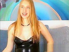 4 months pregnant blonde on livecam