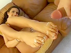 Ava Ramon Loves Person With Foot Fetish