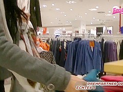 Blowjob in Supermarket mit deutscher Ebony teen