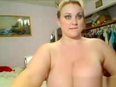 Big chubby blondie flaunts her juicy thick curves on livecam