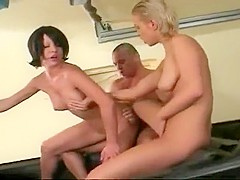 Lucky Stud Rectal Reams 2 Ass To Mouth Starlets In The Back Seat