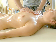 Amelia Video - TrickyMasseur