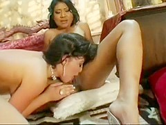 Lyla Lei and Roxetta turn up the heat with some steamy pussylicking