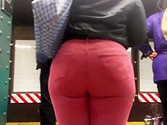 Ebony college girl booty in red jeans