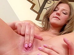Charming girl with big boobs drills her anal hole and fingers her twat