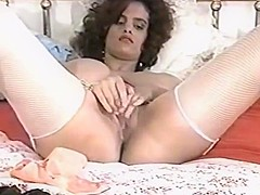 Nilli willis strips and plays 4