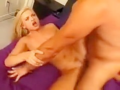 Video porno - ninfomane tettona fa sesso hard