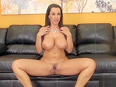 Big breasted milf Lisa drops her pink lingerie and satisfies her needs