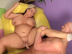 Insatiable blonde plumper Porsche gets nailed by her personal trainer