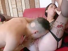 Malgré sa fatigue, Marion a toujours une appétit sexuel hallucinant, elle ne refuse pas d'être encha