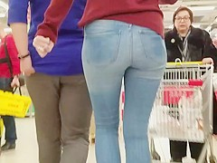 Sexy round ass in supermarket