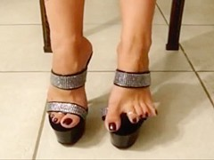 Cum On Heels And Toes