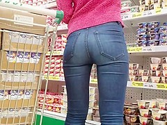 Nice round ass in supermarket