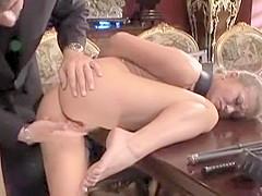 Soumission anale avec Rita Faltoyano