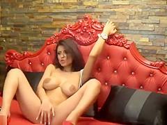 A Kinky Girl Shakes Her Body