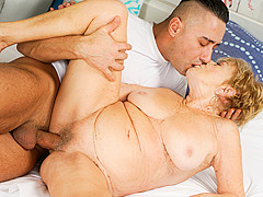 Malya in Cum On Granny! - 21Sextreme