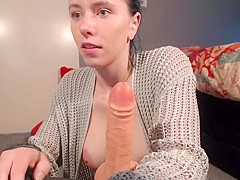 melissa191 took off from yourself panties and showed what the her between legs
