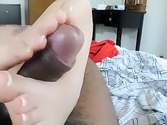 Latina uses her sie 5 soles to millk a cock